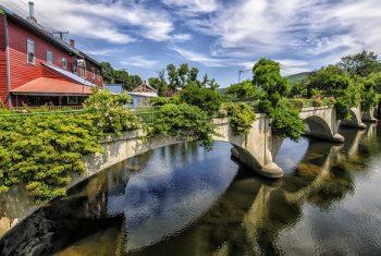 shelburne falls bridge of flowers